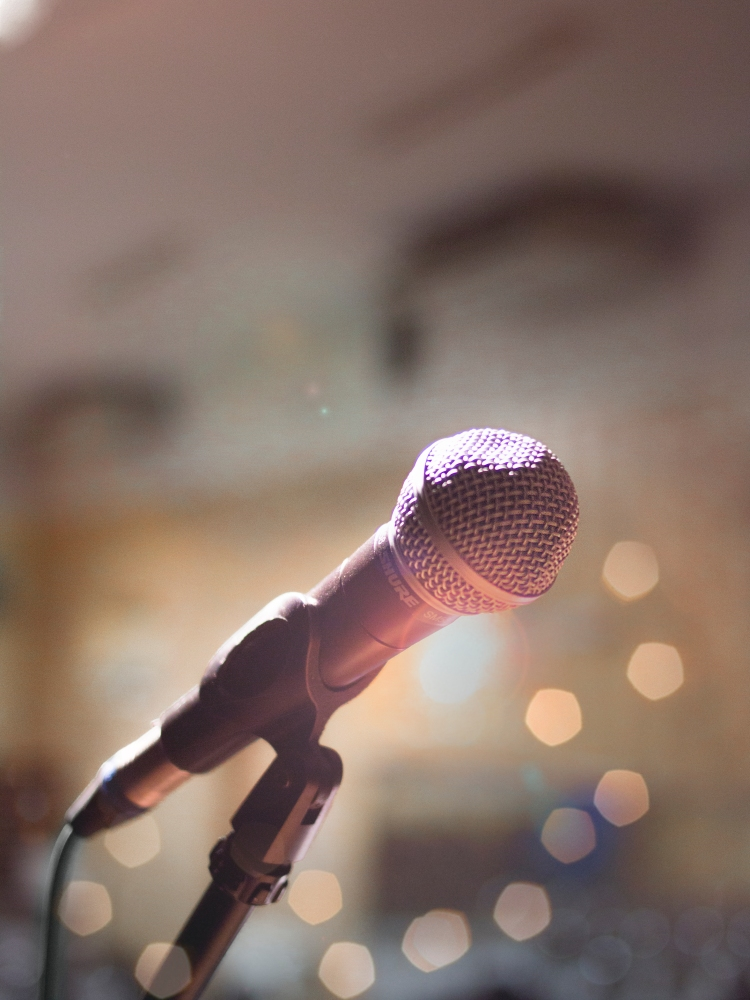 close-up-photography-of-microphone-1032000